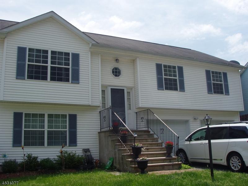 Casa Unifamiliar por un Venta en 15 Julia Ter Dover, Nueva Jersey 07801 Estados Unidos