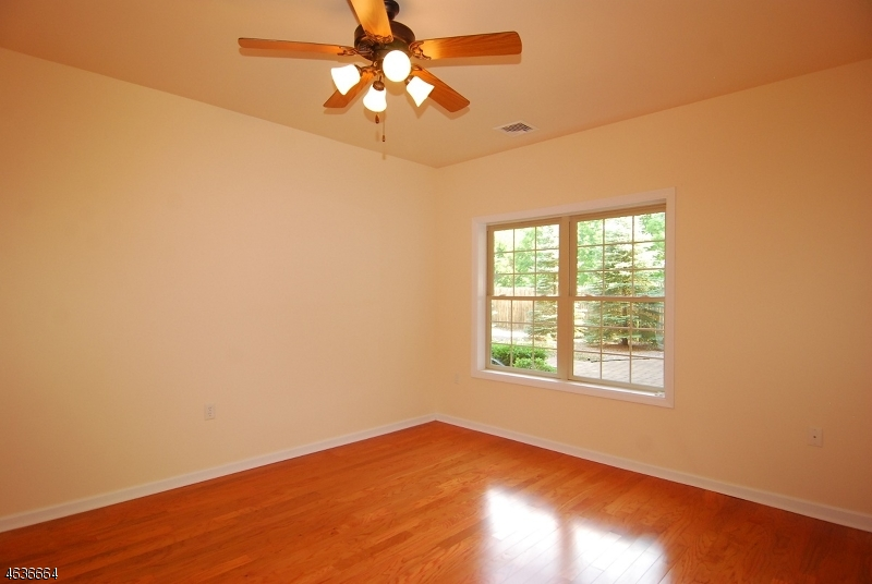 Additional photo for property listing at 16 Main St, UNIT C1  Sparta, Nueva Jersey 07871 Estados Unidos