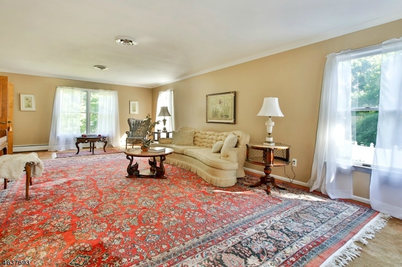 Additional photo for property listing at 165 Upper Saddle River Road  Montvale, New Jersey 07645 États-Unis