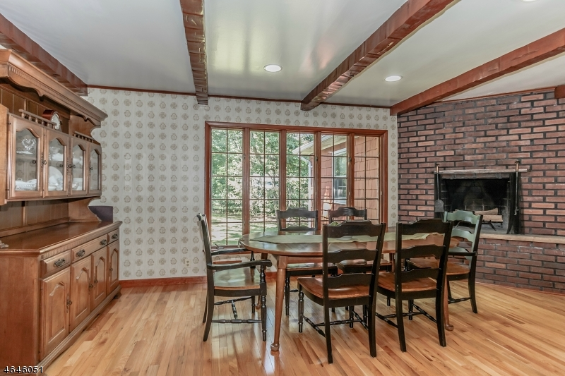 Additional photo for property listing at 149 Cornell Avenue  Berkeley Heights, Нью-Джерси 07922 Соединенные Штаты