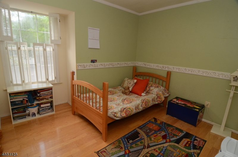 Additional photo for property listing at 423 Hawkshead Way  Somerset, New Jersey 08873 États-Unis