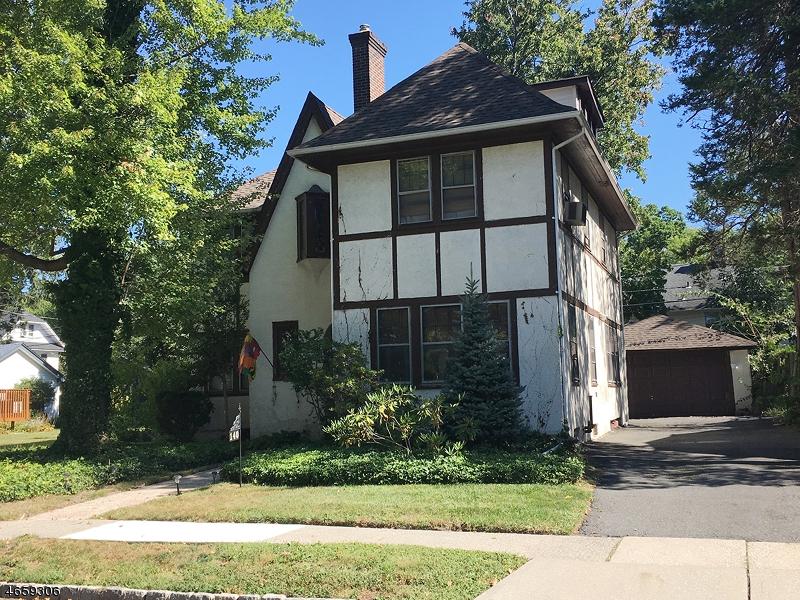 独户住宅 为 销售 在 140 Reynolds Place 南奥林奇, 新泽西州 07079 美国