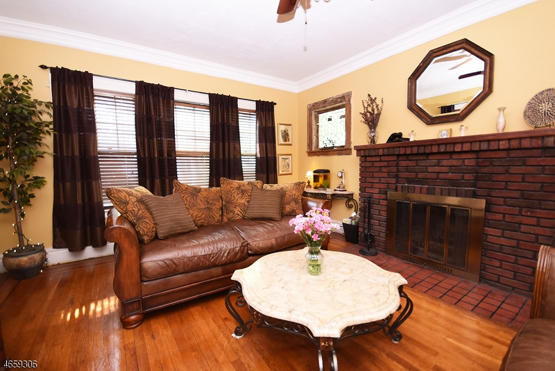 Additional photo for property listing at 140 Reynolds Place  South Orange, New Jersey 07079 États-Unis