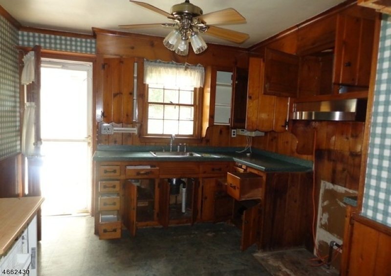 Additional photo for property listing at 344 Mountain Avenue  Plainfield, Нью-Джерси 07062 Соединенные Штаты