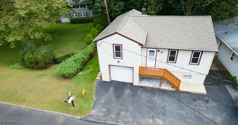 Casa Multifamiliar por un Venta en 22 Terrace Avenue Butler, Nueva Jersey 07405 Estados Unidos