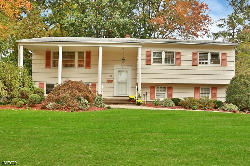 Single Family Home for Sale at 269 Seton Hall Drive Paramus, New Jersey 07652 United States
