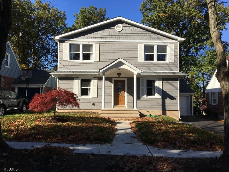 Single Family Home for Sale at 216 N Queen Street Bergenfield, 07621 United States