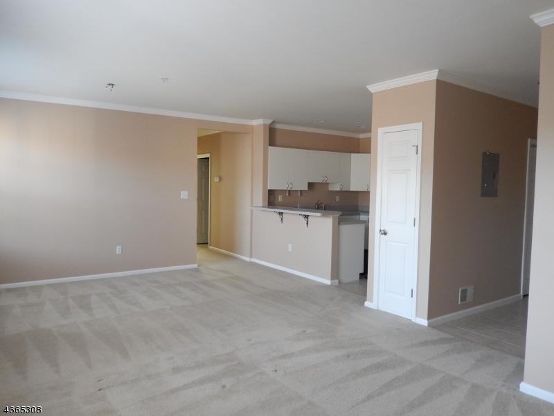 Частный односемейный дом для того Аренда на 45 Mountainview Court Riverdale, 07457 Соединенные Штаты