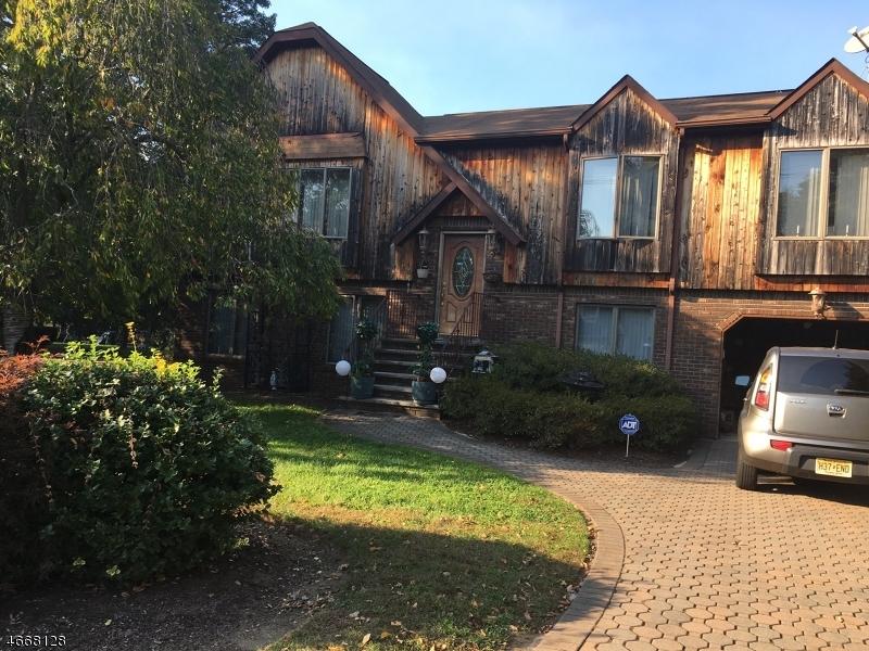 Частный односемейный дом для того Продажа на 88 Mandeville Avenue Pequannock, 07440 Соединенные Штаты
