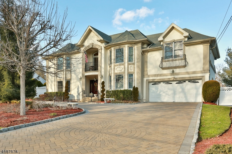 Single Family Home for Sale at 193 Thomas Drive Paramus, New Jersey 07652 United States