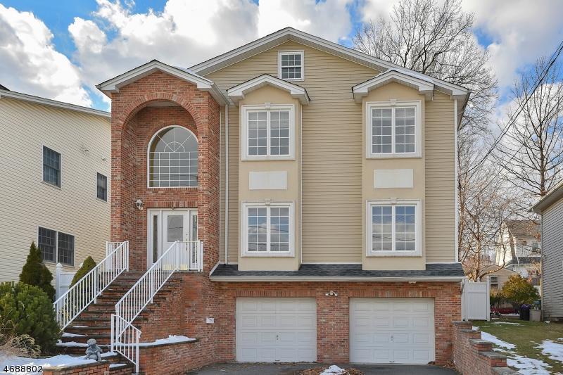 Maison unifamiliale pour l Vente à 117 Jefferson Street Wood Ridge, New Jersey 07075 États-Unis