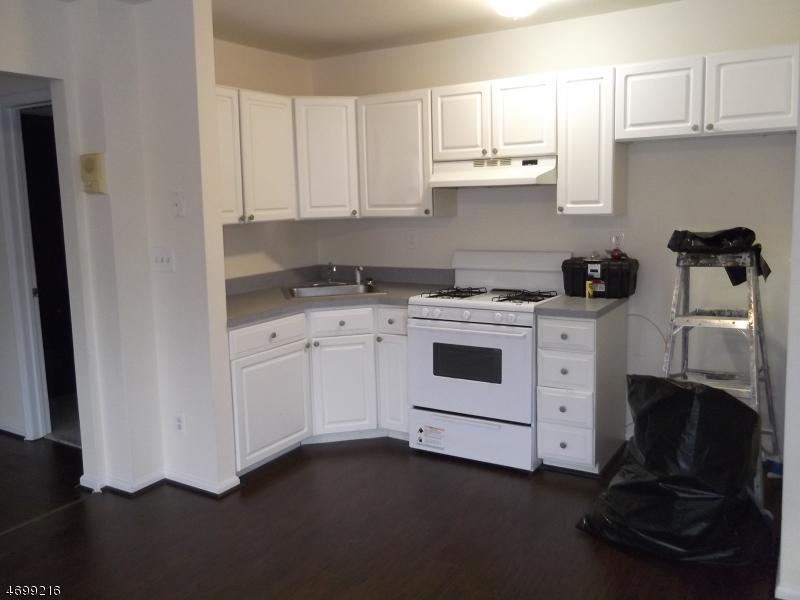 独户住宅 为 出租 在 223 Newark Pompton Tpke Pequannock, 新泽西州 07440 美国