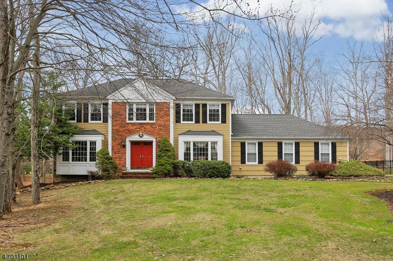 Maison unifamiliale pour l Vente à 6 Wedgewood Lane Autres Areas, New Jersey 07945 États-Unis