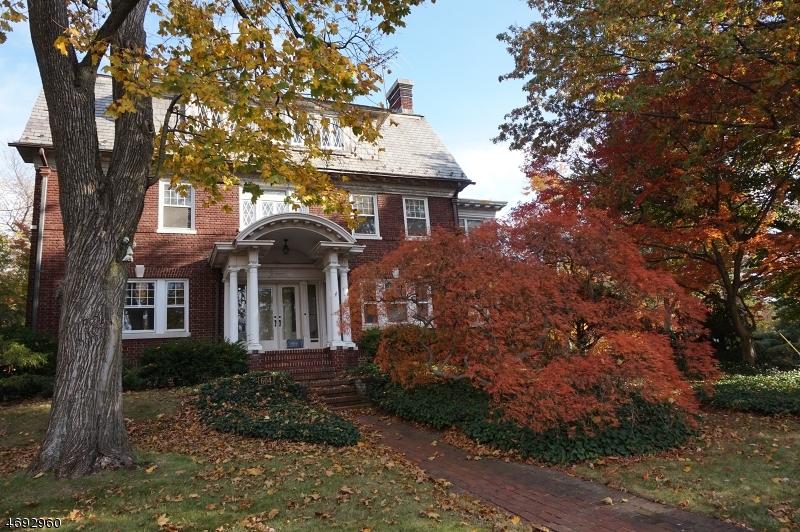 Частный односемейный дом для того Продажа на 604 Prospect Street Maplewood, 07040 Соединенные Штаты