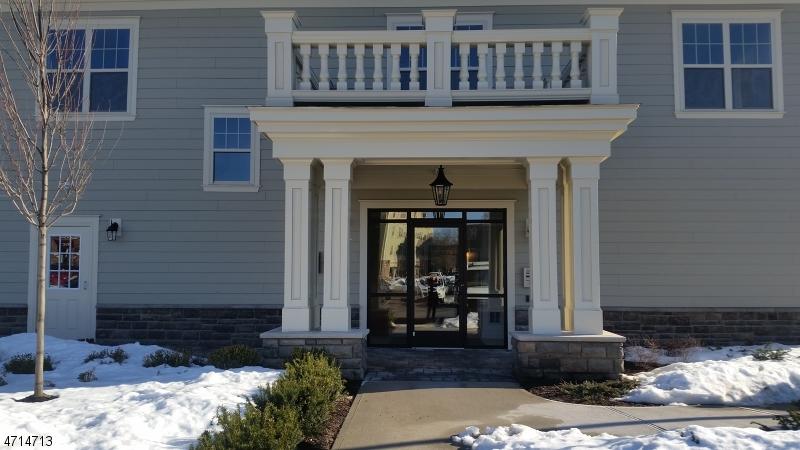 Casa Unifamiliar por un Alquiler en 233 La Grande Avenue Fanwood, Nueva Jersey 07023 Estados Unidos