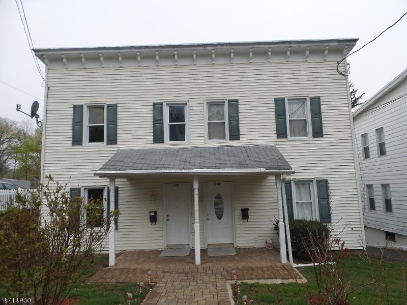 Maison unifamiliale pour l à louer à 133-135 W CHRYSTAL Street Dover, New Jersey 07801 États-Unis