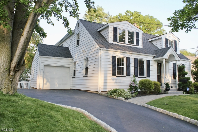 Частный односемейный дом для того Продажа на 10 Samoset Road Cranford, Нью-Джерси 07016 Соединенные Штаты