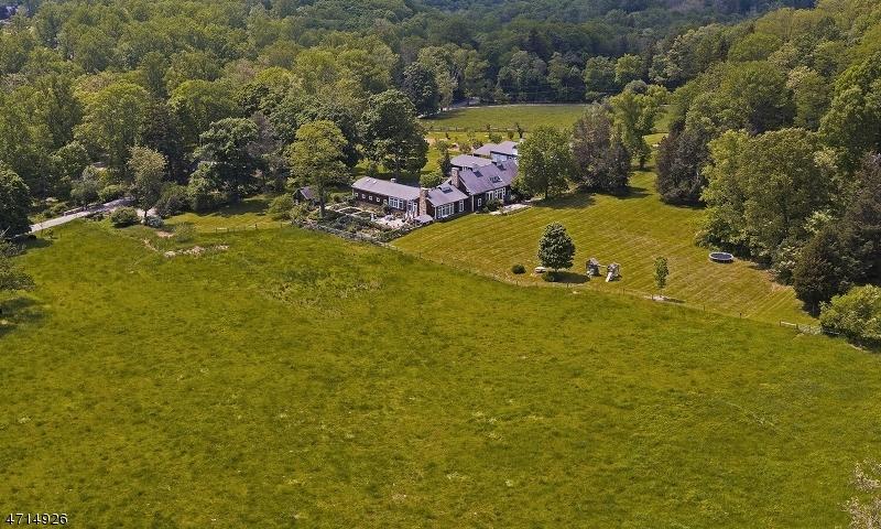 Casa Unifamiliar por un Venta en 144 Lake Road Far Hills, Nueva Jersey 07931 Estados Unidos
