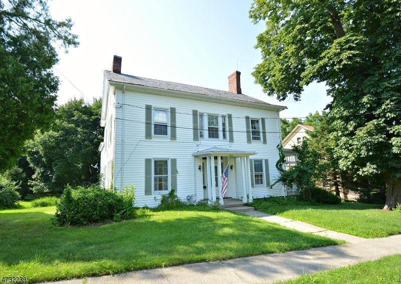 Einfamilienhaus für Verkauf beim 11 Linwood Avenue 11 Linwood Avenue Newton, New Jersey 07860 Vereinigte Staaten