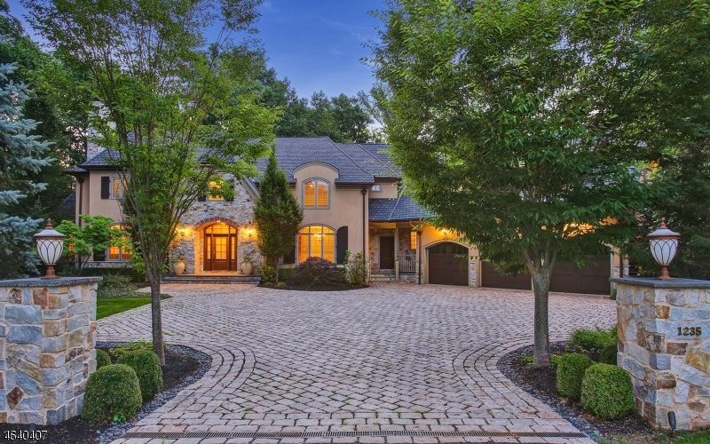 Maison unifamiliale pour l Vente à 1235 Cooper Road Scotch Plains, New Jersey 07076 États-Unis