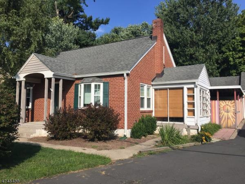 Casa Unifamiliar por un Alquiler en 692 Riegelsville Road Milford, Nueva Jersey 08848 Estados Unidos