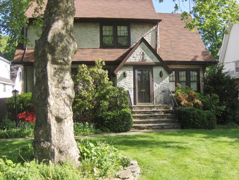 Частный односемейный дом для того Аренда на 69 Ashland Road Summit, Нью-Джерси 07901 Соединенные Штаты