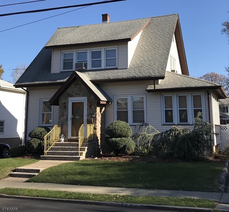 Частный односемейный дом для того Продажа на 9 Elizabeth Avenue Elmwood Park, Нью-Джерси 07407 Соединенные Штаты