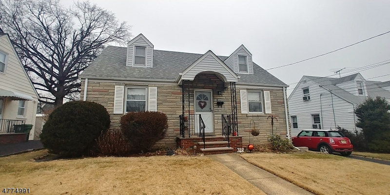 Single Family Home for Sale at 722 Ercama Street Linden, New Jersey 07036 United States