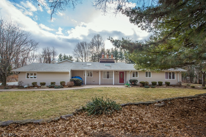 Single Family Home for Sale at 117 Flintlock Road 117 Flintlock Road Parsippany, New Jersey 07950 United States