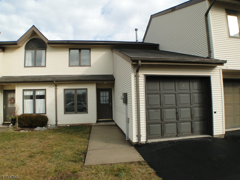 Single Family Home for Rent at 4 Plum Court Raritan, New Jersey 08822 United States