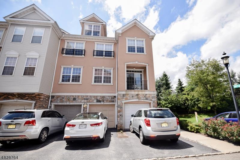 Condo / Casa geminada para Arrendamento às 158 BRITTANY Court Clifton, Nova Jersey 07013 Estados Unidos