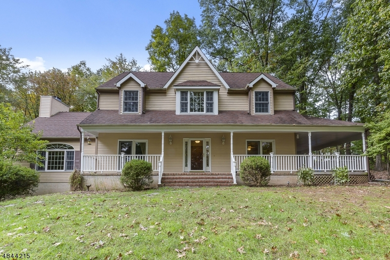 Single Family Home for Sale at 326 WOOLF Road Milford, New Jersey 08848 United States