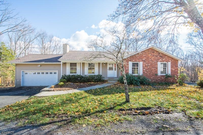 獨棟家庭住宅 為 出售 在 956 RIDGE Road Stillwater, 新澤西州 07860 美國