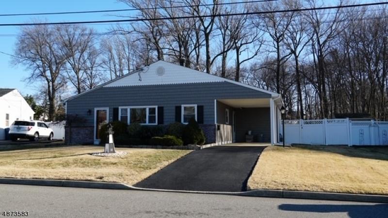Частный односемейный дом для того Продажа на 9 StreetEPHEN Street Hazlet, Нью-Джерси 07730 Соединенные Штаты
