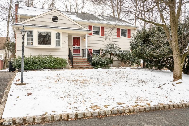 Частный односемейный дом для того Продажа на 74 GLEN Avenue Roseland, Нью-Джерси 07068 Соединенные Штаты