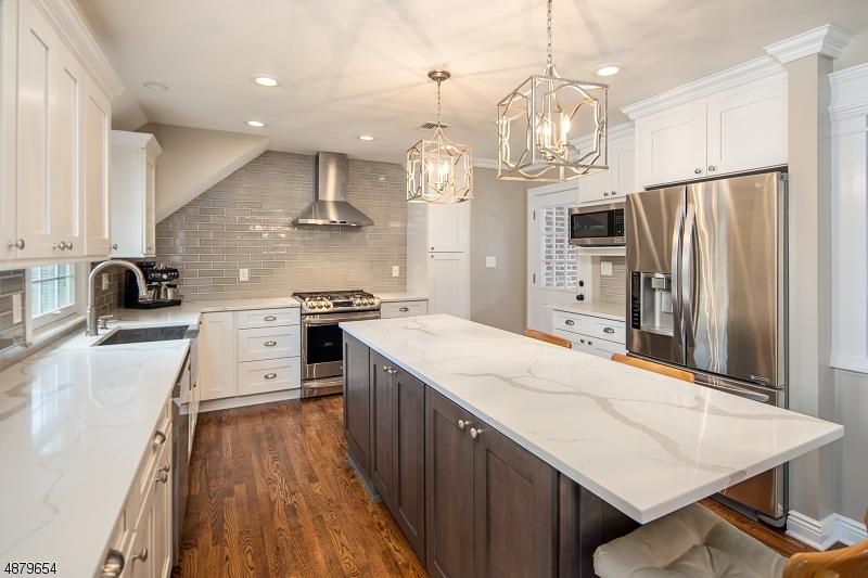 Частный односемейный дом для того Продажа на 15 WESTOVER Road Verona, Нью-Джерси 07044 Соединенные Штаты