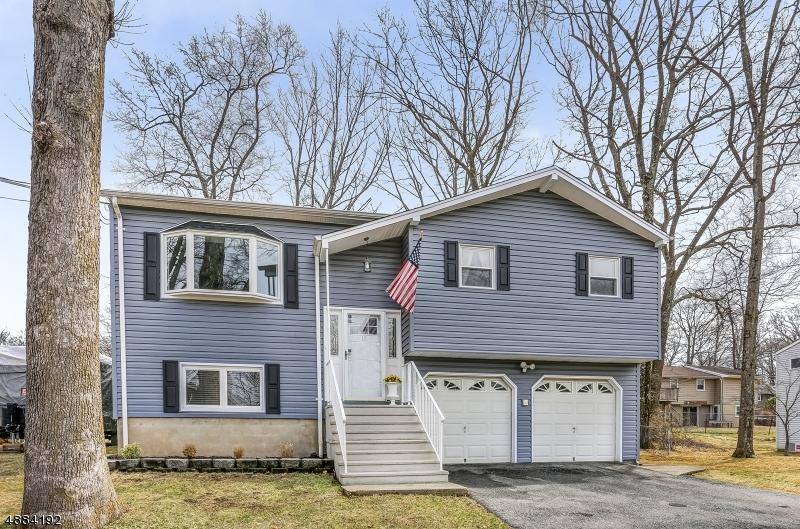 Частный односемейный дом для того Продажа на 15 VALLEY Road Stanhope, Нью-Джерси 07874 Соединенные Штаты