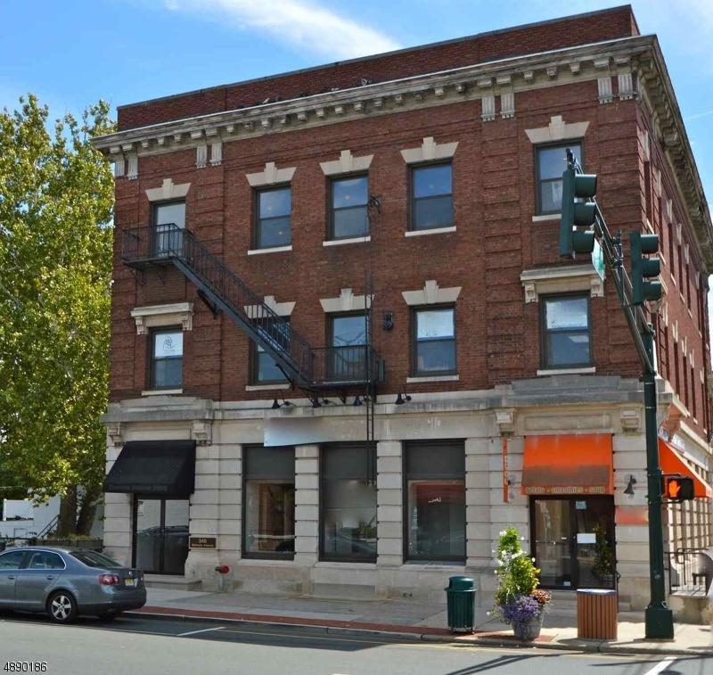 Commercial pour l à louer à Millburn, New Jersey 07041 États-Unis