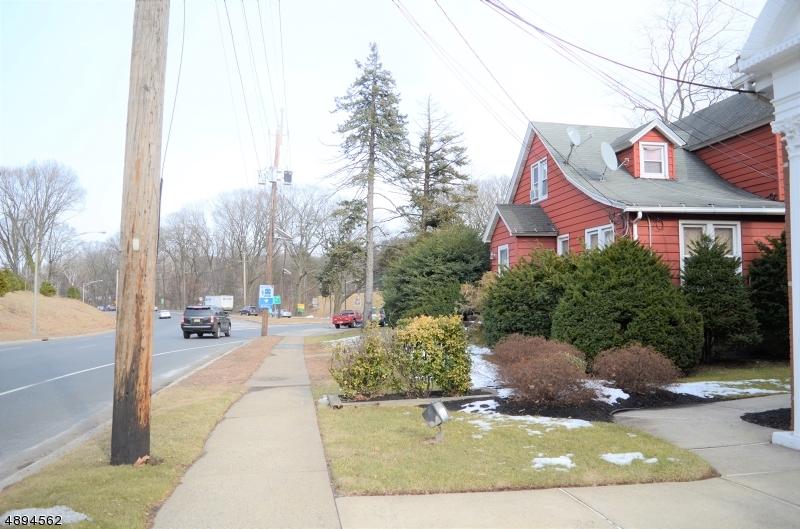 Comercial por un Venta en Mountainside, Nueva Jersey 07092 Estados Unidos