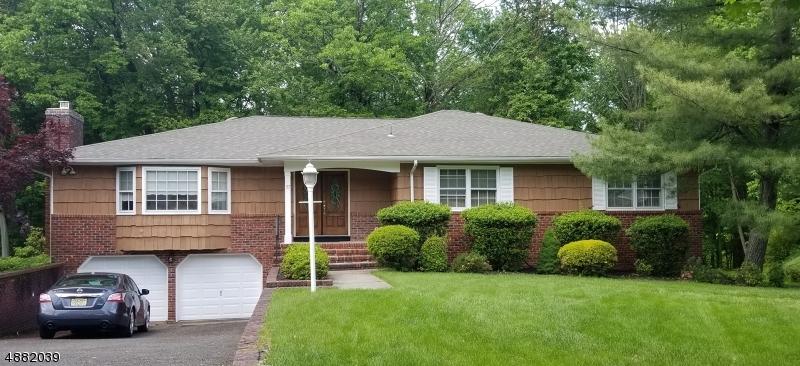 Property pour l Vente à Springfield, New Jersey 07081 États-Unis