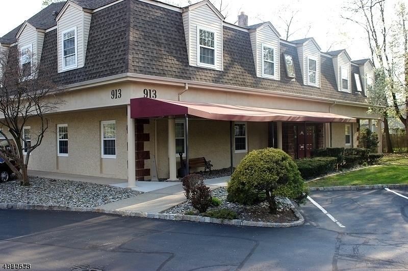 Comercial por un Alquiler en Pequannock, Nueva Jersey 07444 Estados Unidos