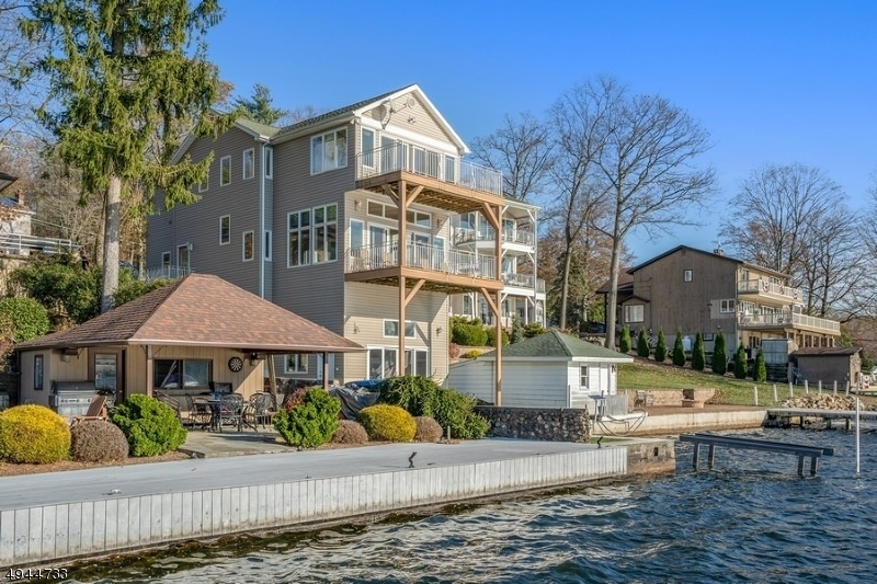 Single Family Homes pour l Vente à Mount Arlington, New Jersey 07856 États-Unis