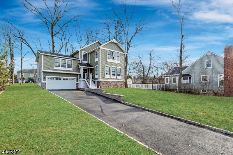 Single Family Homes per Vendita alle ore Roseland, New Jersey 07068 Stati Uniti