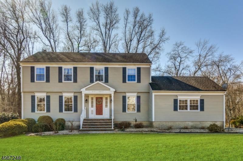 Single Family Homes por un Venta en Long Hill, Nueva Jersey 07933 Estados Unidos