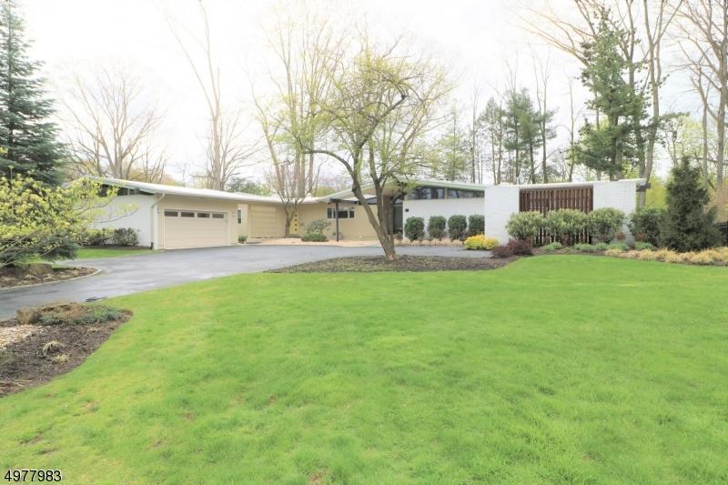 Single Family Homes voor Verkoop op Clifton, New Jersey 07013 Verenigde Staten