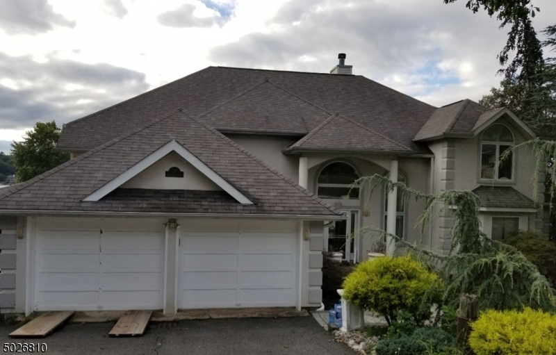 Single Family Homes для того Продажа на Jefferson Township, Нью-Джерси 07849 Соединенные Штаты