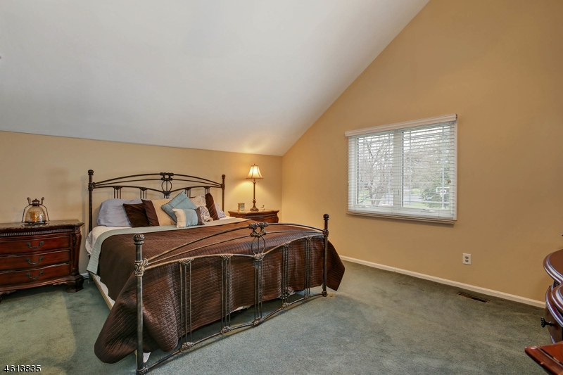 Additional photo for property listing at 29 Compton Court  Basking Ridge, New Jersey 07920 United States