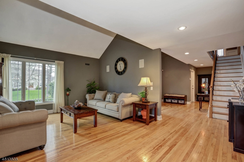 Additional photo for property listing at 29 Compton Court  Basking Ridge, New Jersey 07920 États-Unis