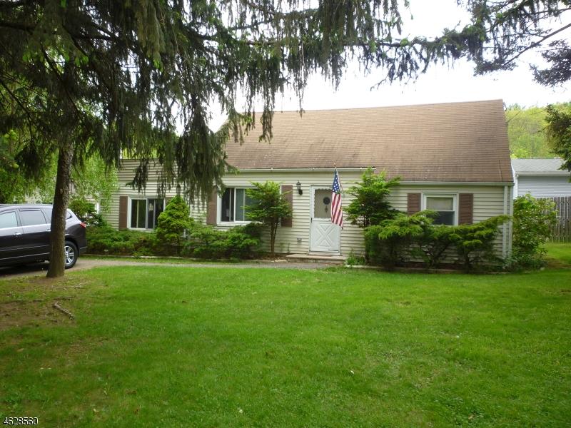 Частный односемейный дом для того Продажа на 52 Clearmont Avenue Denville, Нью-Джерси 07834 Соединенные Штаты