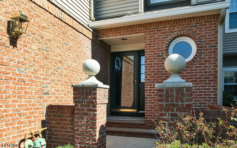 Casa Unifamiliar por un Venta en 4 Meeker Ct, C0034 Roseland, Nueva Jersey 07068 Estados Unidos